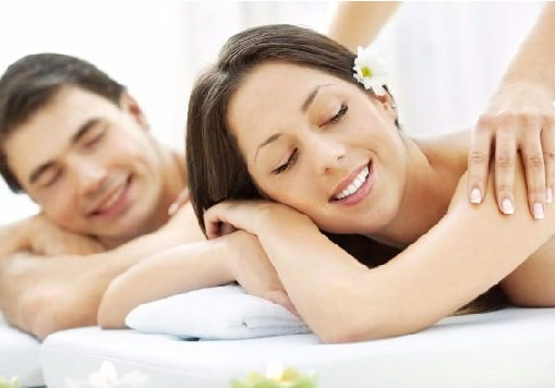 best couple Massage at Lokhandwala